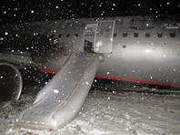 Храброво  в Калининграде  возобновил работу спустя  сутки простоя:  сломанный самолет  отбуксировала техника   Балтфлота