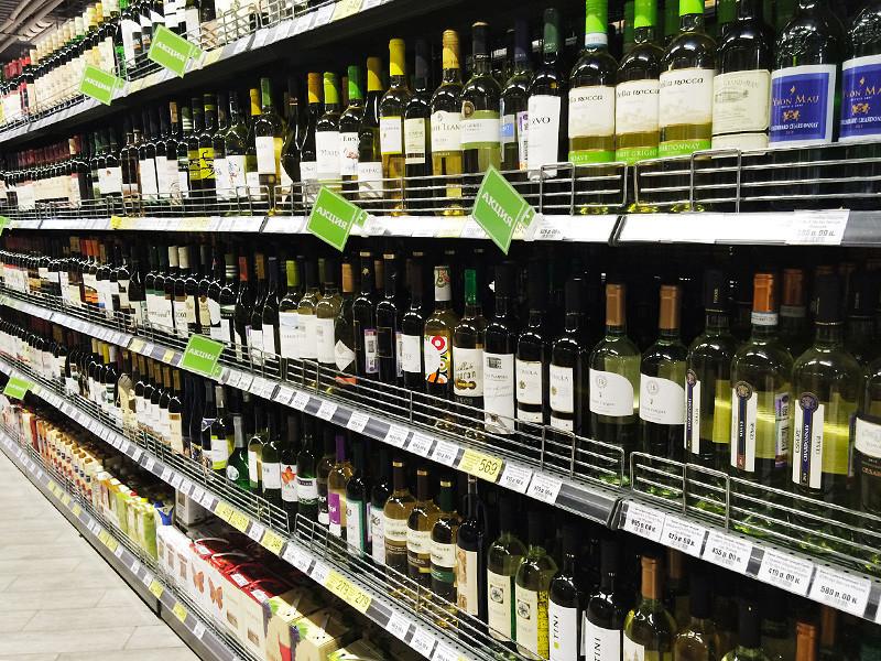 Минздрав готов повысить минимальный возраст покупки алкоголя