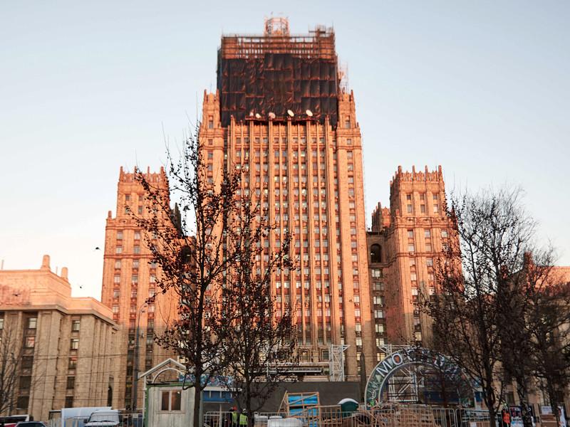 """В российском МИД заявили, что с НАТО """"надо возобновить то, что было"""" - """"одними заклинаниями здесь не обойдешься"""""""
