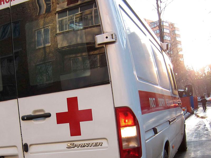 """В Петербурге три человека насмерть отравились стеклоочистителем """"Дед Мороз"""""""