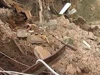 В Петербурге стена дома рухнула на спорткомплекс РЖД