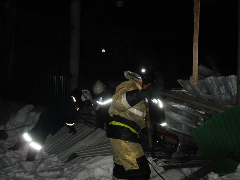 В городе Бердске Новосибирской области вечером 19 января произошло обрушение конструкций конного клуба