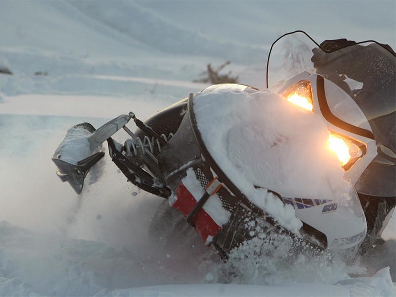 Два ребенка погибли во время катания на снегоходе по Волге