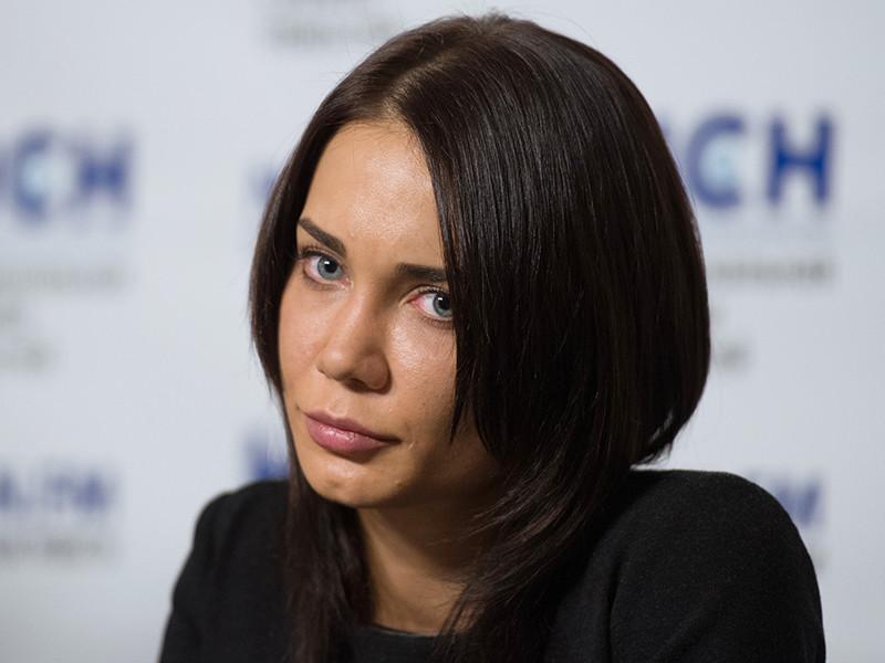 Невеста арестованного экс-губернатора Кировской области Никиты Белых Екатерина Рейферт отозвала из суда свою жалобу на следствие