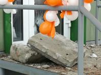 На Алтае женщину убило куском фасада на крыльце нового магазина