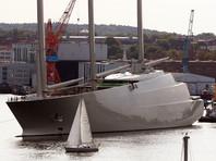 """Парусную яхту длиной 143 метра планировалось назвать """"Белая жемчужина"""", но в итоге судно получило лаконичное имя """"А"""", чтобы быть первым в морских регистрах"""