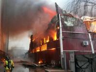 Пожар в двухэтажном здании по адресу Литовская улица, дом 10, возник во второй половине дня 26 января и достиг площади около тысячи квадратных метров