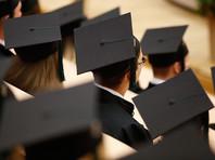 """В правительстве отвергли """"скандально-популистское"""" предложение запретить детям чиновников учиться за границей"""