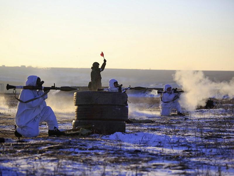 """Избранных ожидают учебные стрельбы из автоматов Калашникова, пулеметов Калашникова, снайперской винтовки Драгунова, """"Стечкина"""" и """"Витязя"""", а также ручных и станковых гранатометов РПГ-7 и АГС-17 """"Пламя"""""""