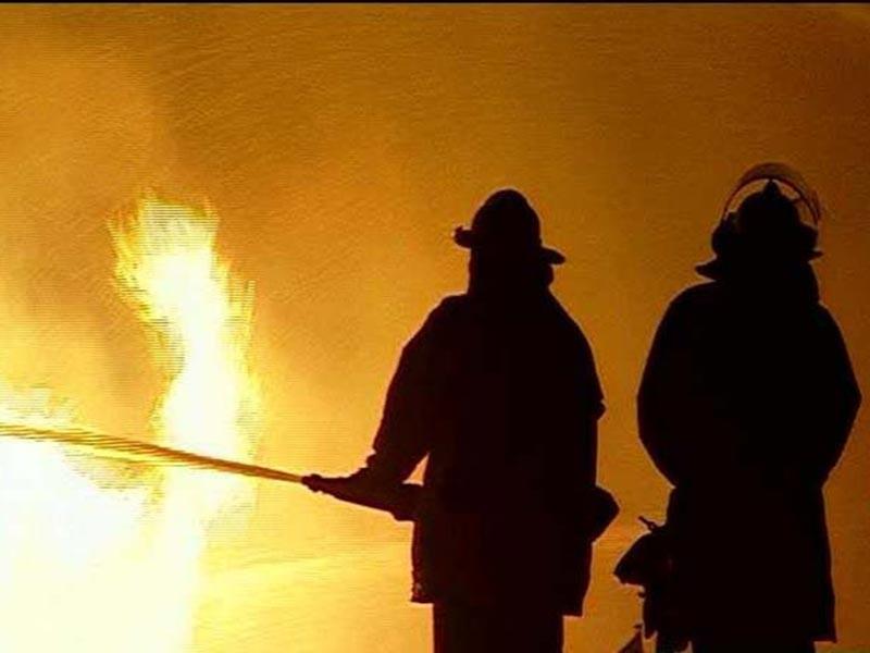При пожаре в частном доме в Тульской области погибли четыре человека