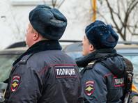 В Москве мужчина в собственной квартире взял в заложники жену и троих детей