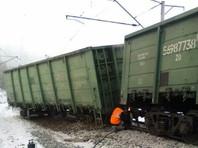 В Приамурье с рельсов сошли 9 вагонов товарняка, повредив полкилометра путей