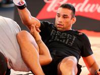 Бывший чемпион мира UFC провел мастер-класс для детей Кадырова