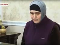 """Чеченка извинилась в эфире телеканала """"Грозный"""" за критику полицейских, напавших на ее односельчан"""
