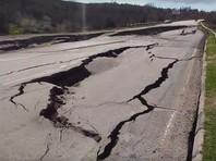 Под Севастополем перекрыт участок дороги на аэропорт Бельбек из-за оползня, угрожающего селу Поворотное (ВИДЕО)