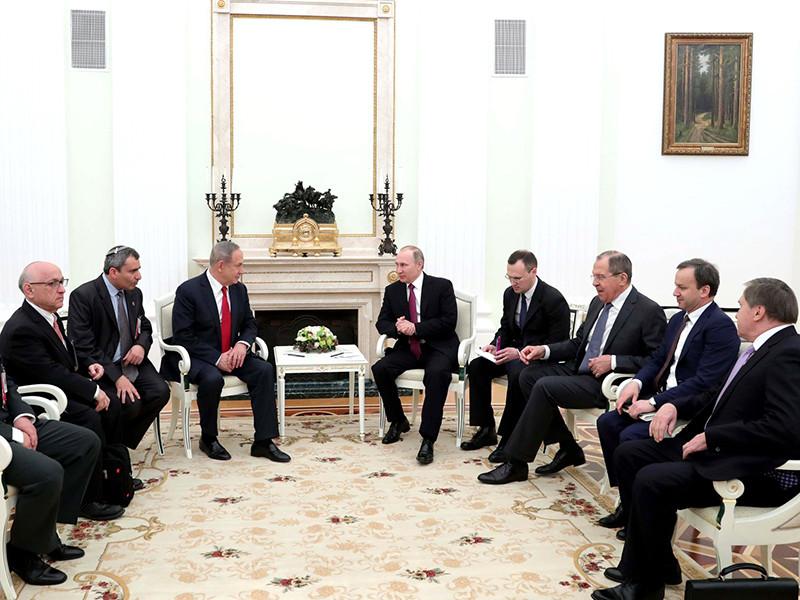 Премьер-министр Израиля Беньямин Нетаньяху в ходе переговоров с президентом России Владимиром Путиным, состоявшихся в Москве в четверг, 9 марта, обсудил ситуацию в Сирии, прежде всего в контексте совместных усилий по противодействию международному терроризму