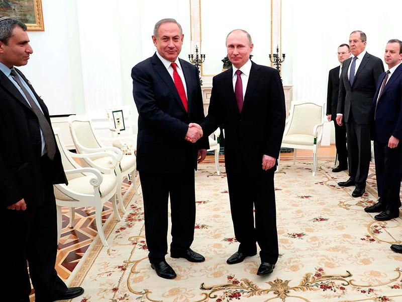 Президент РФ Владимир Путин встретился в Москве с премьер-министром Израиля Беньямином Нетаньяху, чтобы поговорить о двусторонних отношениях России и Израиля