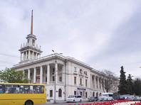 С фасада  Матросского клуба в Севастополе демонтировали памятную доску Владимиру Высоцкому