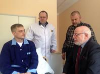 Травмированному на акции в Москве полицейскому помогут с получением квартиры