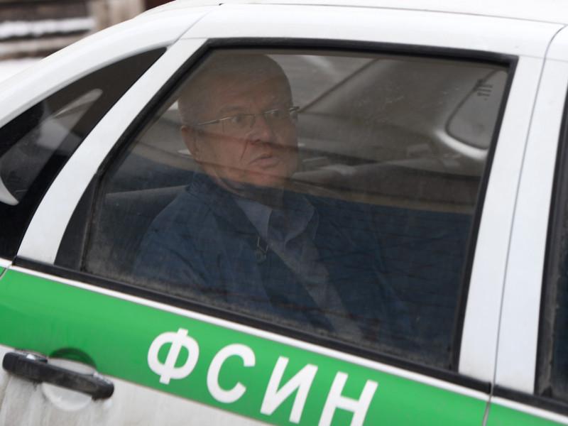 Алексей Улюкаев у здания Басманного суда города Москвы, 10 января 2017 года