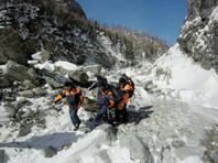 В горах Бурятии четверо туристов попали под лавину: погиб гражданин Франции