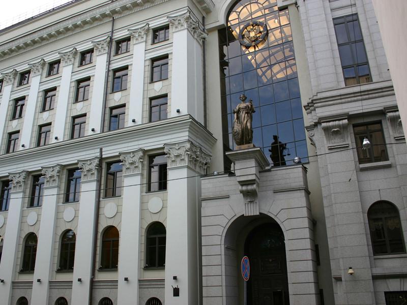 Верховный суд накануне, 13 марта, рассмотрел жалобу на нормативные акты Минтранса РФ и отменил положение, запрещающее людям с ВИЧ и СПИД работать бортпроводниками