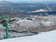На курорте Шерегеш в Кузбассе итальянца завалило выше головы снегом, съехавшим с крыши отеля