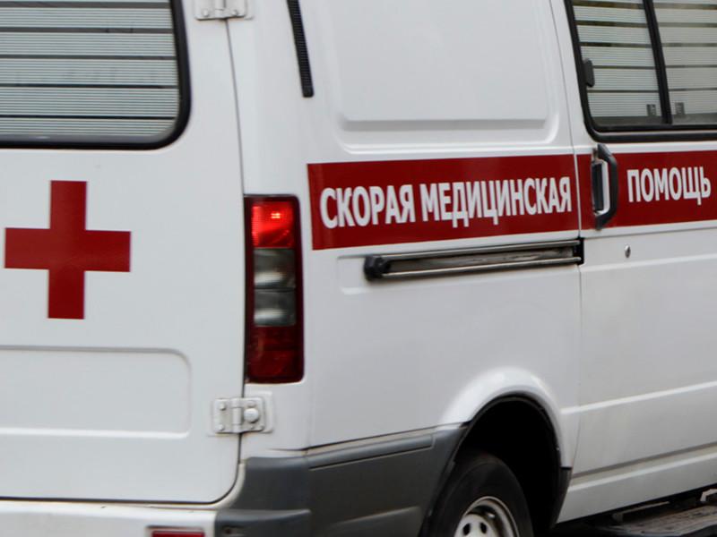 10-летняя девочка спрыгнула из окна туалета школы, она была госпитализирована с травмами, характерными для падения с высоты