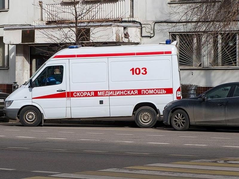 По предварительным данным, 19 марта девочка в подъезде жилого дома N46 по улице Горького стала вдыхать содержимое антиперспиранта марки Nivea, после чего выбежала из парадного. На улице она упала на снег и потеряла сознание