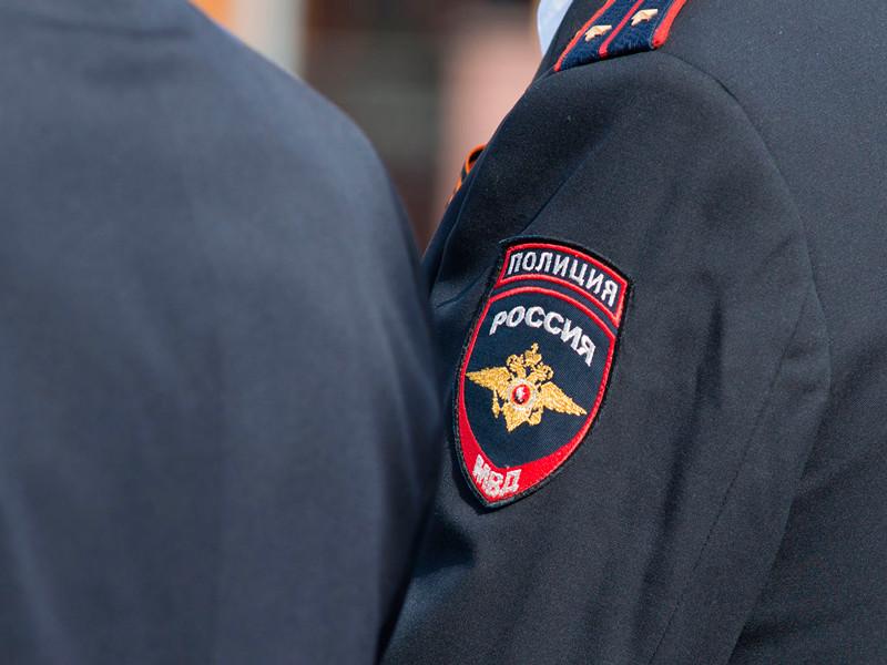Полицейские в Петербурге исписали паспорт несговорчивого узбека грязными ругательствами