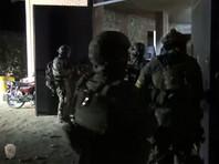 Сотрудники правоохранительных органов оцепили несколько домов в Дербенте, проводятся мероприятия по задержанию участников разбойного нападения