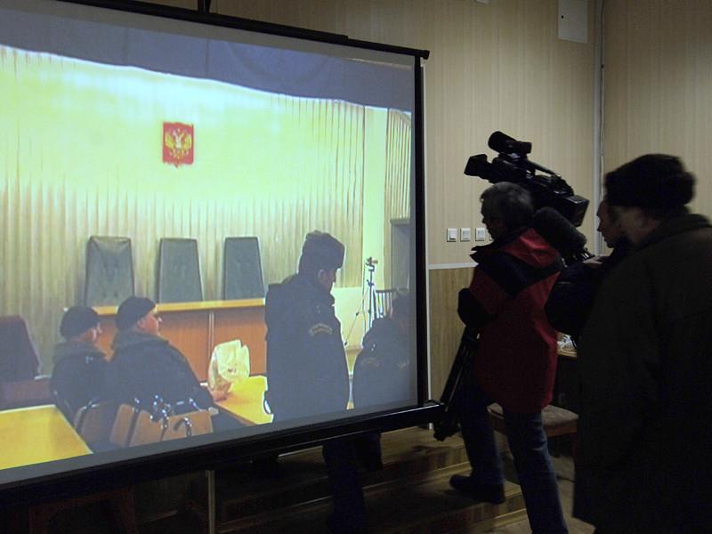 Президент Владимир Путин подписал законопроект, который ограничивает право средств массовой информации вести трансляции из судов