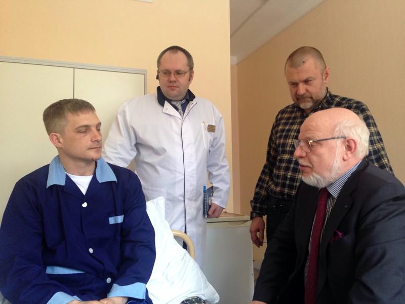 Госпитализированный после акции в Москве полицейский рассказал, что его вырубил профессионал