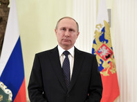 """Президент Владимир Путин, поздравляя женщин с 8 марта, процитировал стихотворение поэта Серебряного века Константина Бальмонта """"О, женщина, дитя, привыкшее играть"""""""