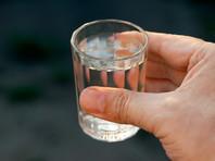 По данным на март, количество алкогольных отравлений снизилось на четверть (24%) по сравнению с предыдущими годами, а количество летальных случаев сократилось почти в два раза