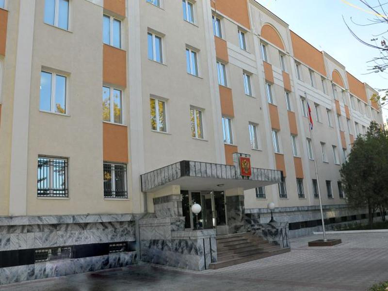 Сейчас Образцов находится в приюте при российской дипмиссии, в ближайшее время планируется собрать деньги на билеты в Новосибирск