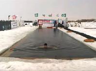 """Тюменские """"моржи"""" проплыли в ледяной воде 70 км за 41 час и претендуют на мировой рекорд"""