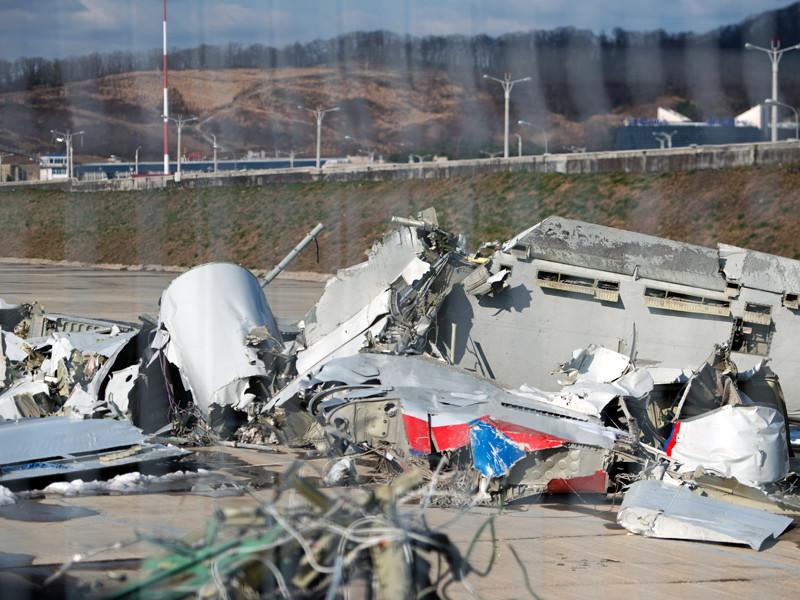 Версия об ошибке экипажа стала доминирующей в расследовании еще в декабре прошлого года после опросов свидетелей крушения, которые рассказали, что Ту-154 не падал и не пикировал после взлета, а приводнился на поверхность моря