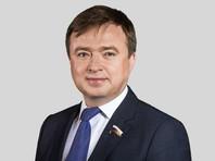 Депутат Госдумы отправил в екатеринбургский штаб Навального коробку зеленки
