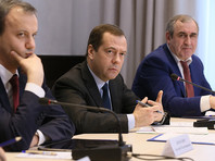 """Медведев в ответ на поздравление с выздоровлением от гриппа сказал, что он """"и не болел"""""""