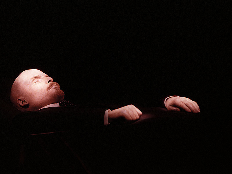 Единороссы отозвали подписи под законопроектом о перезахоронении Ленина