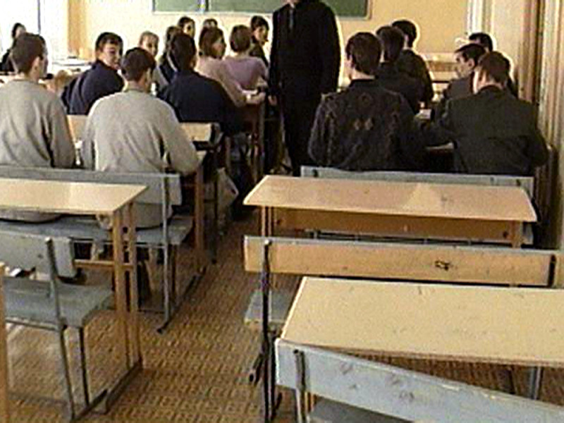 """Учителю томской гимназии, после митинга """"Он нам не Димон"""" назвавшему учеников """"либералами-фашистами"""", вынесли замечание"""