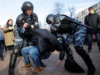 """26 марта в центре Москвы прошли антикоррупционные """"гуляния"""" с участием до 30 тысяч человек. Власти сочли это несогласованной массовой акцией"""