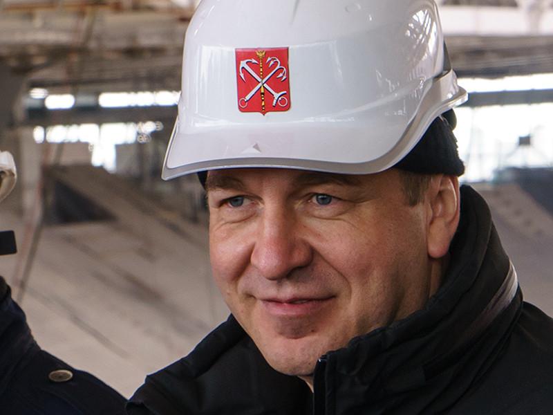 """""""Знаешь, Леха, тебе бы взять лопату в руки, бетонной пылью подышать, на настоящей большой стройке поработать - тогда и поймешь, что почем в этой жизни и сколько времени, сил, таланта, трудолюбия изыскателей, проектировщиков, инженеров, рабочих необходимо вложить, чтобы построить самый современный в России стадион"""", - написал Албин"""