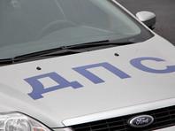 Полиция требует от дальнобойщиков покинуть парковку, ссылаясь на то, что это частная территория. Протестующие намерены провести переговоры с администрацией торгового центра