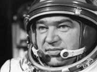 """85-летний Георгий Гречко совершил за свою карьеру три космических полета, общая продолжительность которых составляет 134 дня 20 часов 32 минуты и 58 секунд. Его второй полет - на космическом корабле """"Союз-26"""" - длился более 96 суток и стал рекордным по длительности для своего времени"""