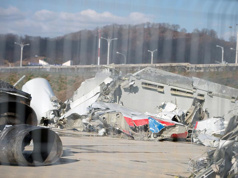 Самолет Минобороны РФ Ту-154, потерпевший крушение 25 декабря под Сочи, мог оказаться под управлением нештатного экипажа