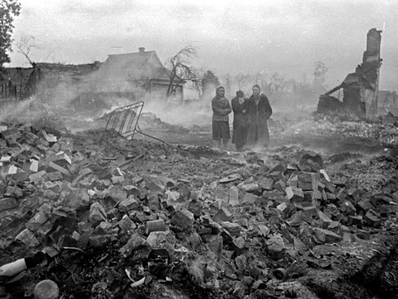 Первый удар на рассвете нанесла немецкая авиация