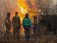 Масштабные пожары случились в Хакасии в апреле 2015 года. Погибли 32 человека, огонь уничтожил более 1,5 тысячи жилых домов. Без крова остались 4,7 тысячи человек. Общая сумма ущерба от стихии превысила семь миллиардов рублей