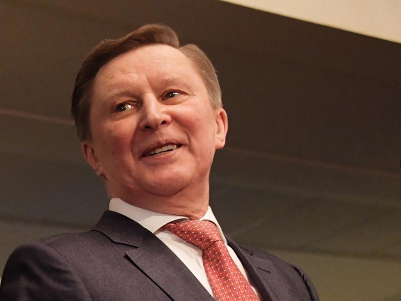 Бывший глава администрации президента РФ Сергей Иванов, получив вопрос о протестных акциях, перекрестился
